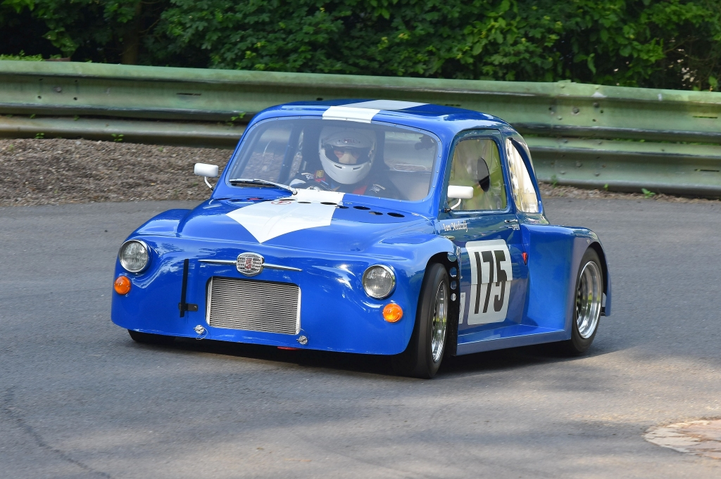 The Fiat 500 of Ian Medcalf at Prescott (D Garnett)