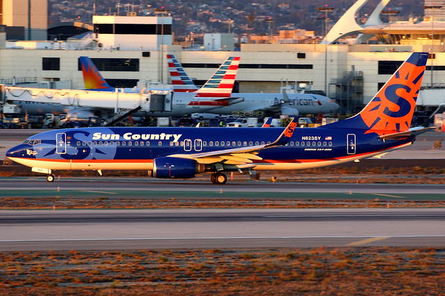 Sun Country Airlines   Boeing 737-800   N823SY   Los Angeles International