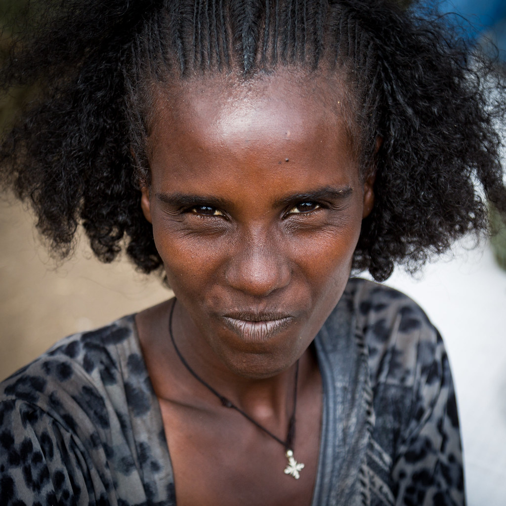 Raya Tribe Woman With A Nice Hairstyle And Curly Hairs Se