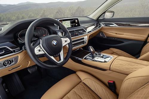 The new 2020 BMW 7 Series Sedan Photo