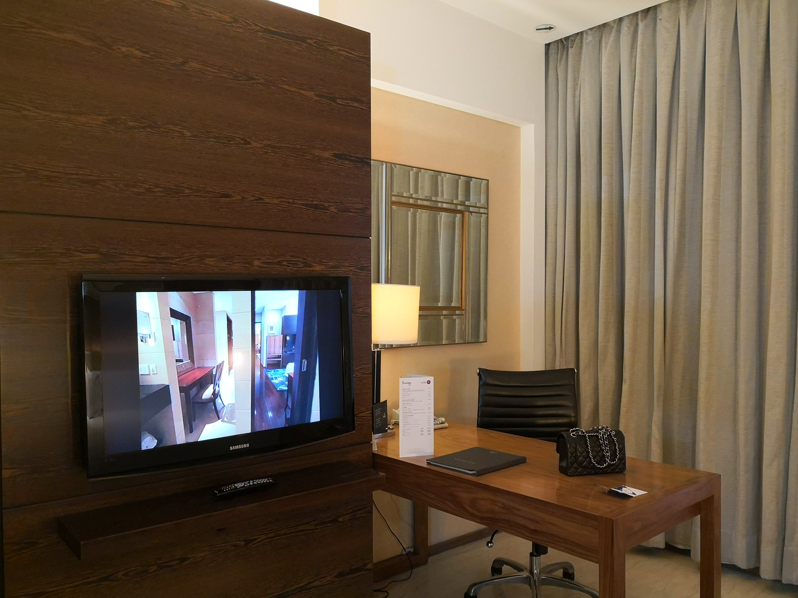 Desk and flatscreen TV