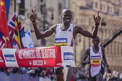 Keňan Kimeli při Sportisimo 1/2Maratonu obhájil vítězství