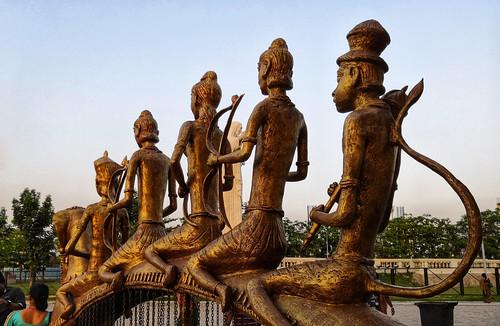 statue metal riders warrior kolkata sunset sunsetlight sunsetglow bengal banga arms bow spear sculpture