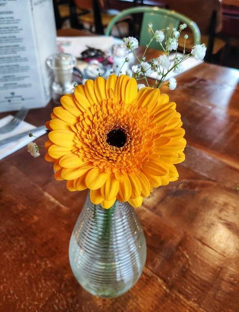 Dining Flower