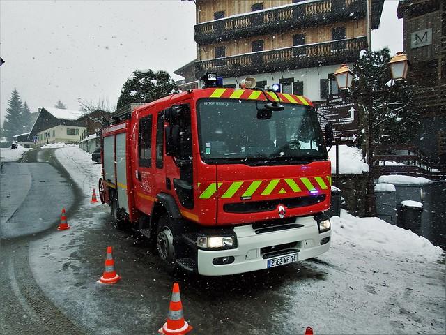 Renault Premium Pompiers Megève (74 Haute-Savoie) 27-01-19a