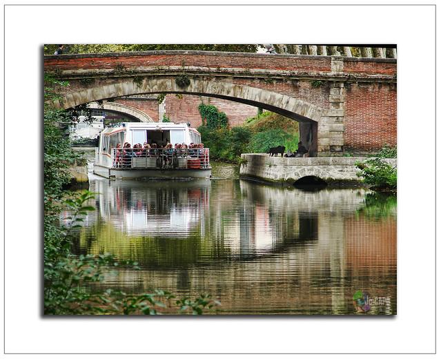 """""""La vie est un pont, traverse-le, mais n'y fixe pas ta demeure."""" C.de Sienne"""