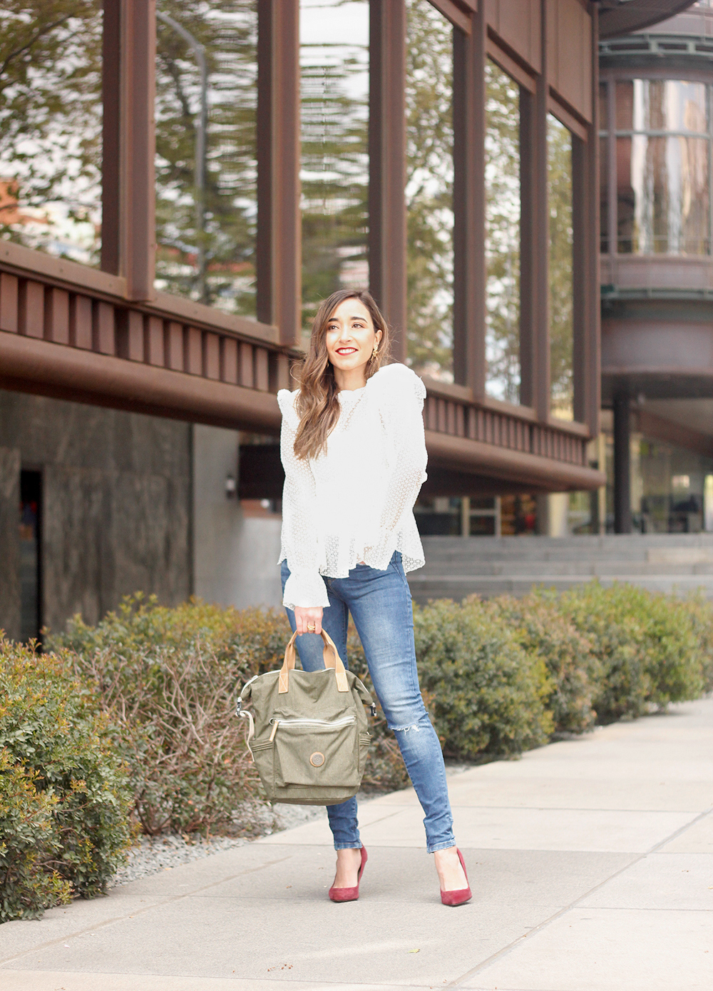 kipling backpack transformation collection khaki white lace blouse casual street style casual outfit 20197