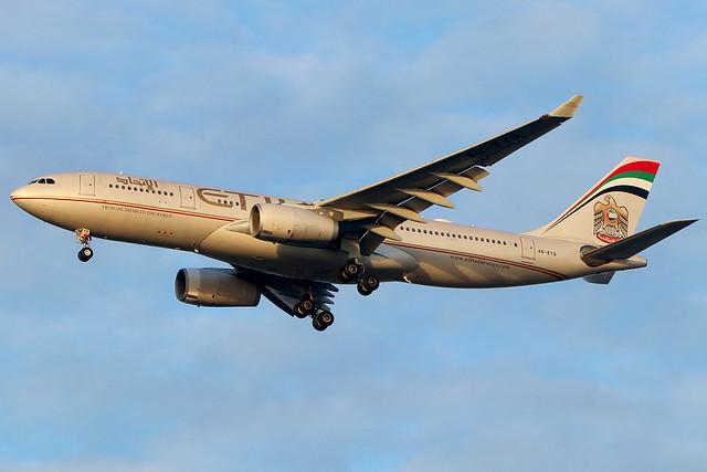 A6-EYQ | Airbus A330-243 | Etihad Airways (opf Air Serbia)
