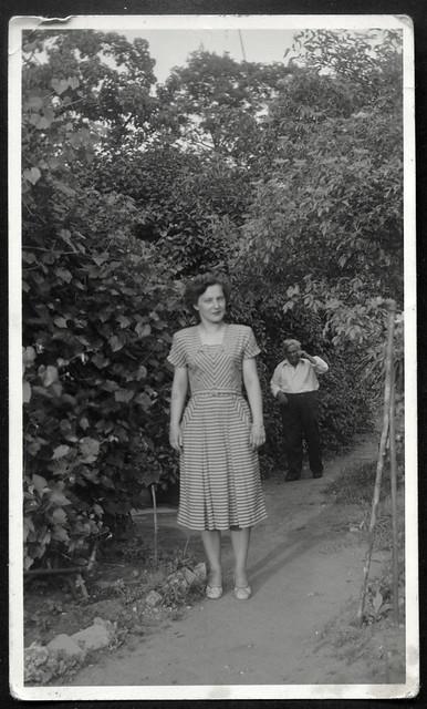 Archiv S456 Porträt im Sommerkleid, 1955