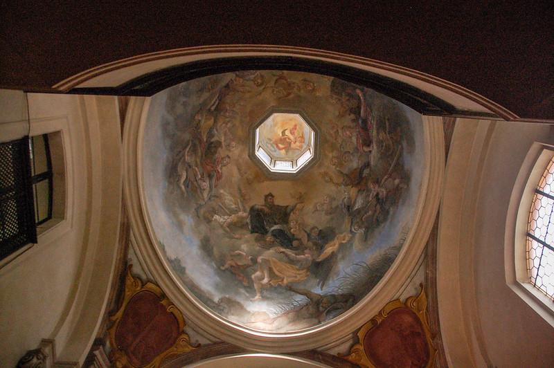 聖喬治教堂(Basilica of St. George)屋頂的濕壁畫--聖母加冕