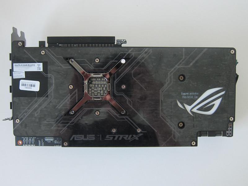 Asus ROG Strix RX VEGA56 OC Edition 8GB - Bottom