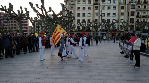 Momento del acto en favor de Catalunya organizado por Gure esku dago en Irun