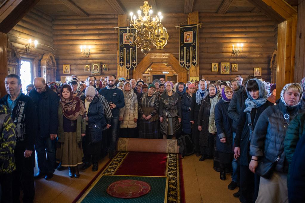 В день Предпразднства Благовещения Пресвятой Богородицы епископ Воскресенский Дионисий совершил Божественную литургию в храме св. прав. Иоанна Кронштадтского в Жулебине