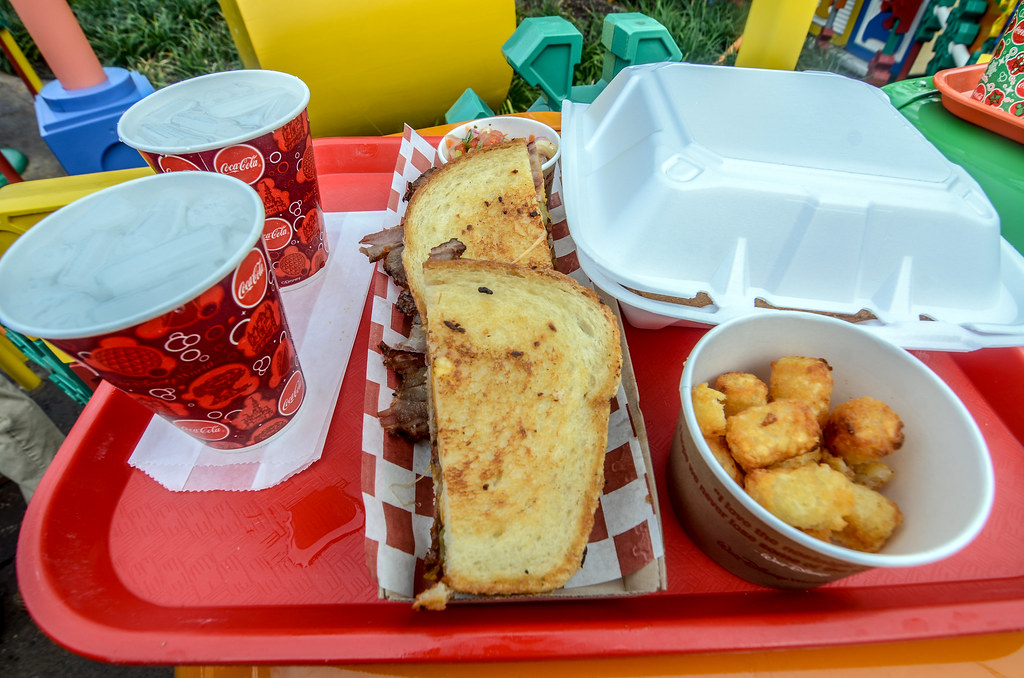 Woody's Lunch Box brisket TSL DHS