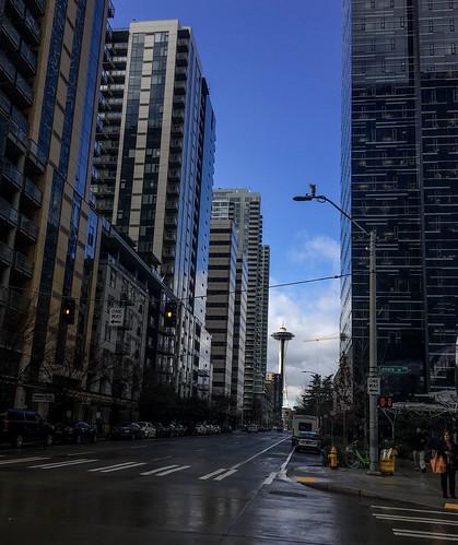 Blue sky in Seattle | by aiddy
