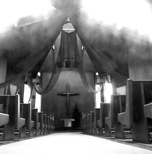 blackandwhite church churchinterior catholic catholicchurch altar redmondwa redmond pews paweesit ©paweesit architecture interesting interestingness