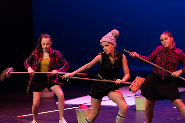 Streetdance girls.