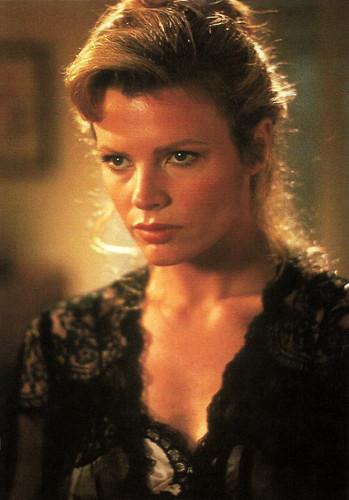 Kim Basinger in Nadine (1987)