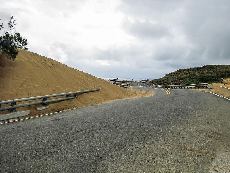 道路阻隔風吹沙景觀