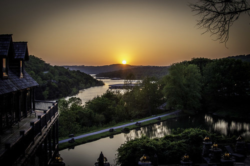 2011 bigcedarlodge places lake sunset tablerocklake devilspoolrestaurant missouri branson