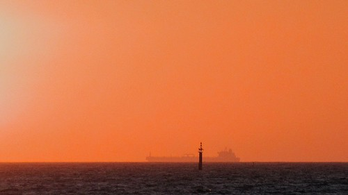 mullaloo perth westernaustralia indianocean oz australia tanker sunset orange