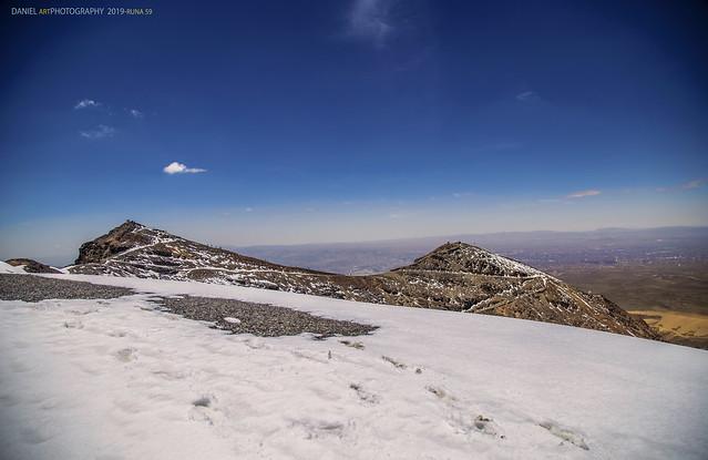 Los dos picos del nevado Chacaltaya