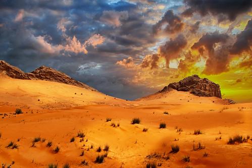 fossilrock uae emirates eau desert désert desierto sunset coucherdesoleil red orange jaune rouge sable sand sky ciel cielo