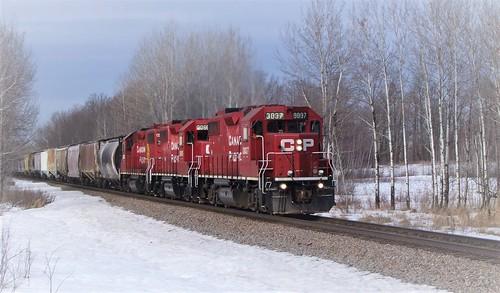 hinckleysub electromotivedivision emd winter cp canadianpacific gp382