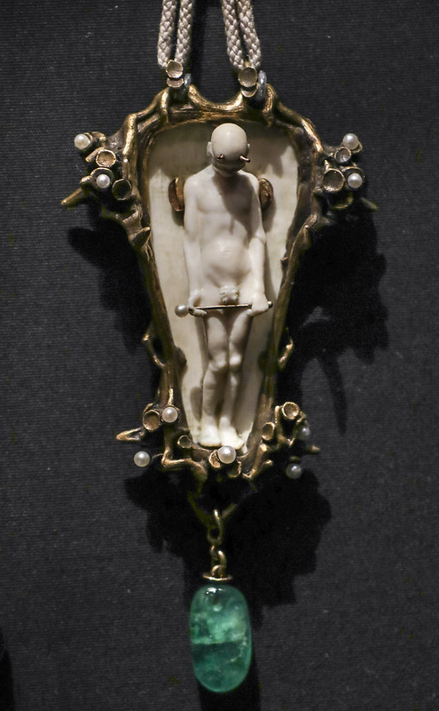 Pendant, USA, about 1915, made by the sculptor Hugo Robus, ivory