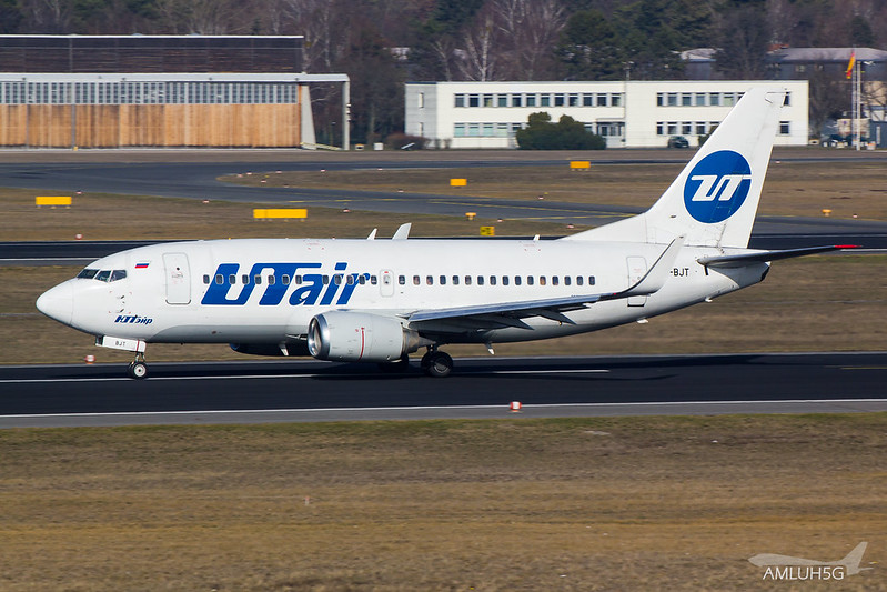 UTair - B735 - VP-BJT (1)