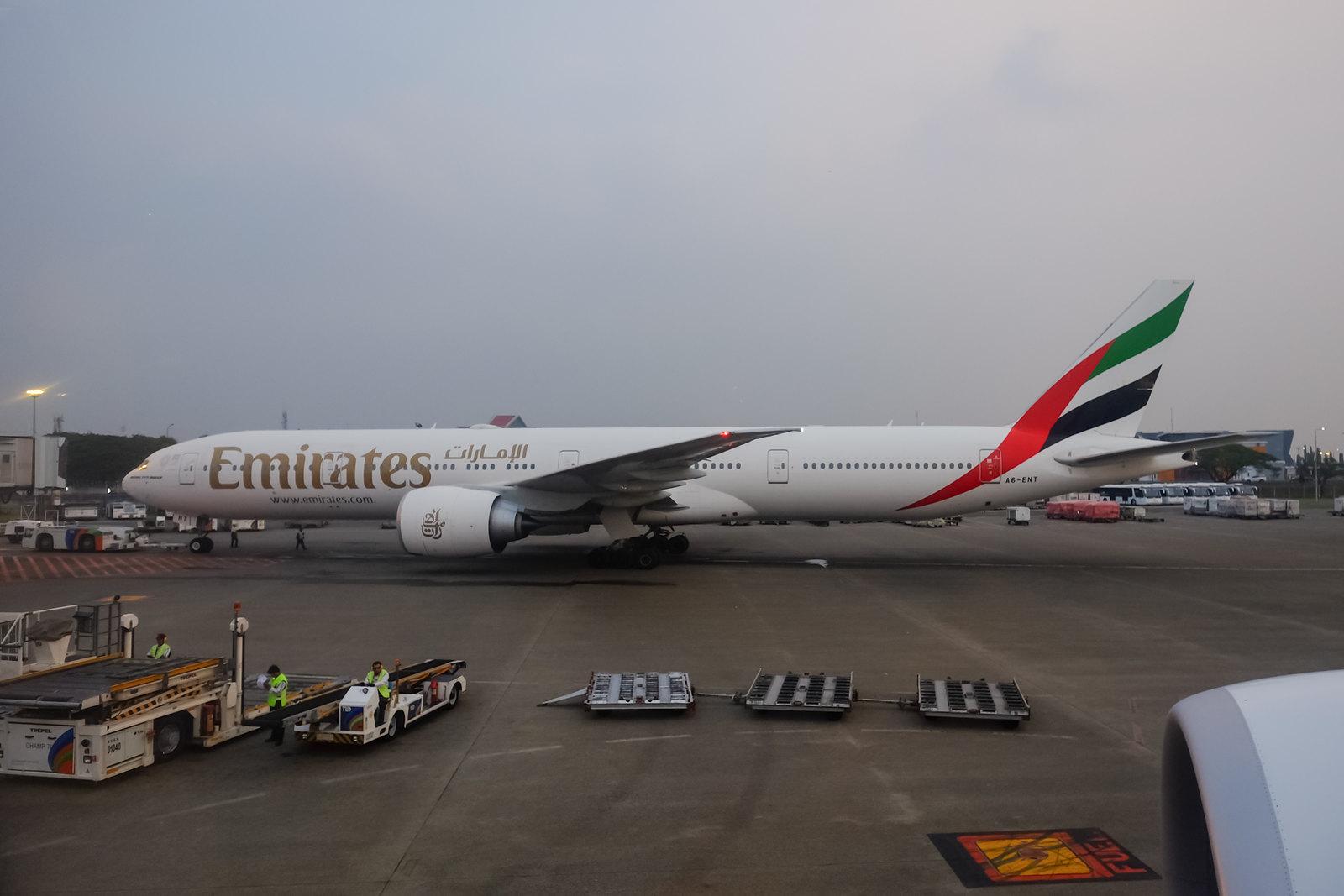 Emirates 777 on pullback