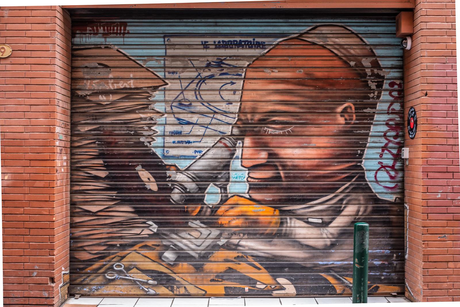 toulouse store streetart