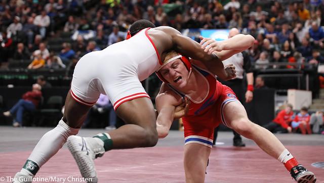 170AA 1st Place Match - Isaiah Thompson (Detroit Lakes) 45-3 won by decision over Nolan Wanzek (Simley) 33-15 (Dec 5-3) - 190302BMC4929