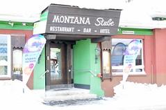 Hotel Montana, kde SNOWfest sídlí už od ročníku 2008, má optimální polohu: od nádraží je 100 metrů, na zastávku skibusu totéž, vláček na Parsenn je vzdálen sotva 300 metrů.