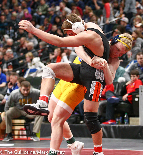 195 - Semifinal - Calvin Sund (Prior Lake) 38-0 won by fall over MacAron Kukowski (Farmington) 23-3 (Fall 5:33) - 190302amk0146