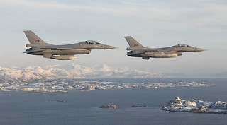 D52418 F-16 Fighting Falcons | by Nick Sidle