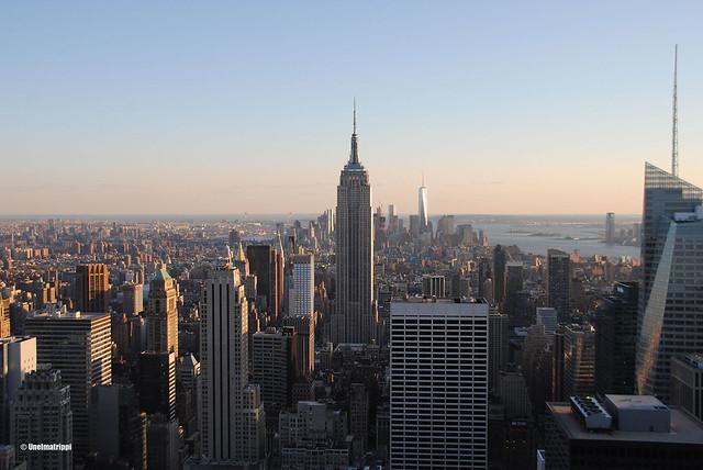 Empire State Building auringonlaskussa