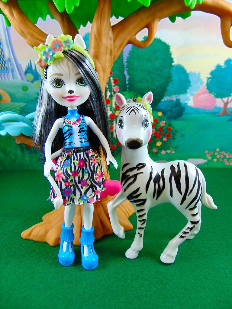 Enchantimals Zelena Zebra Doll /& Hoofette