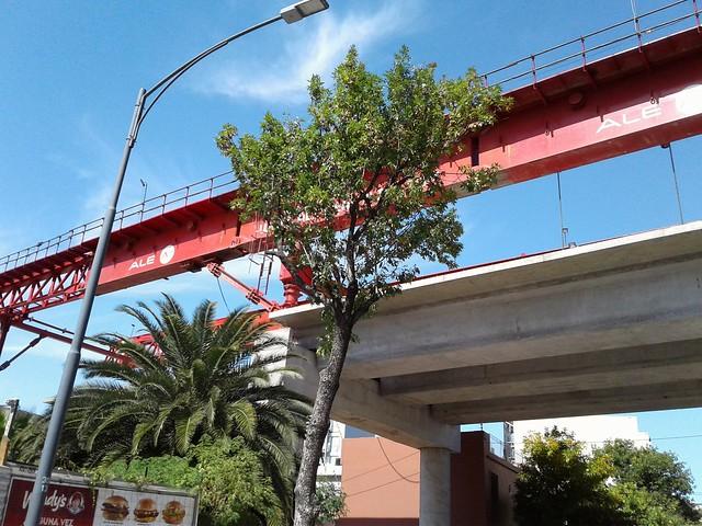 La lanzadora  de vigas ALE Viaducto San Martín