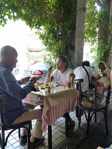 table au Lesbos
