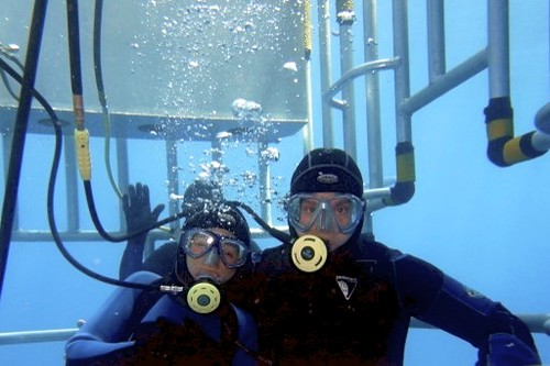 Roger & Kelsey Muller Great White Shark cage August 2011 - Version 2