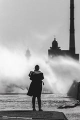 La femme dans la tempête