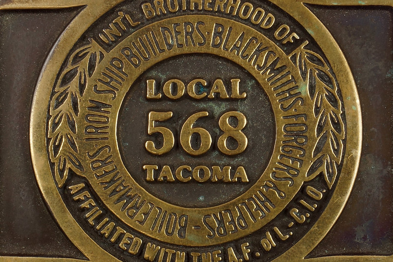 RD17136 1980 Boilermakers Iron Ship Builders Blacksmiths Forgers & Helpers Local 568 Tacoma Brass Belt Buckle Anacortes DSC09423