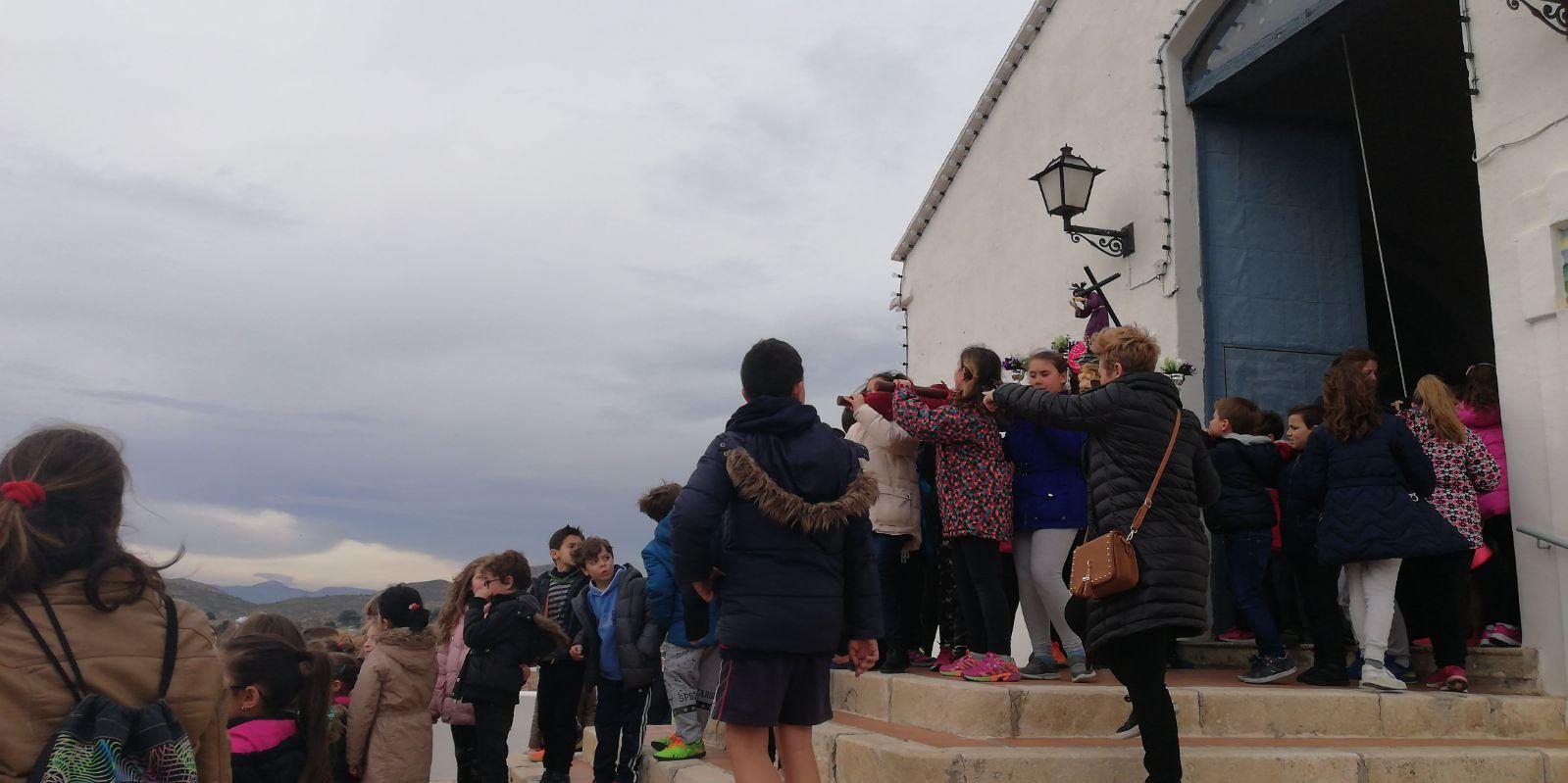 (2018-03-23) II Vía Crucis Infantil (Catequistas) (16)