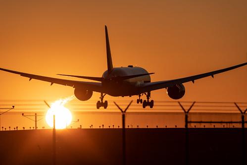 Virgin Atlantic 787 Lands at LAX | by beltz6