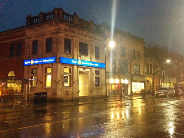Looking west, Dundas West at Keele #toronto #thejunction #night #rain #streetscape #dundasstreetwest #keelestreet