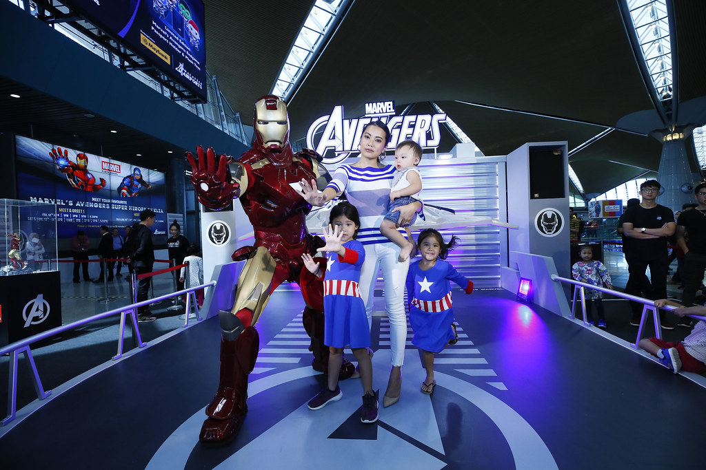 Ung Yiu Lin & Family with ironman