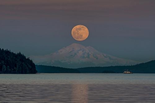 landscape seascape moon moonrise supermoon mtbaker cherrypoint vancouverisland