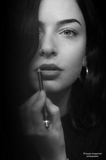 Arianna, self make up...