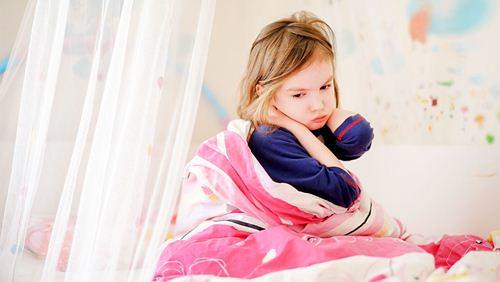 4 Tanda Sakit Kepala pada Anak yang Berbahaya